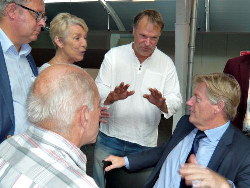 Truus in gesprek met Staatssecretaris Martin van Rijn