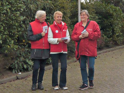 Drie enthousiaste Hellevoetse PvdA dames...