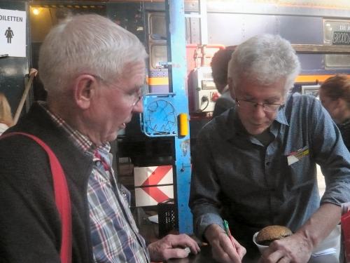 Wim van Ee, collega webmaster PvdA Voorst met Jan de Bruin
